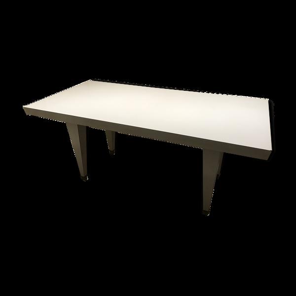 Table de salle à manger en formica