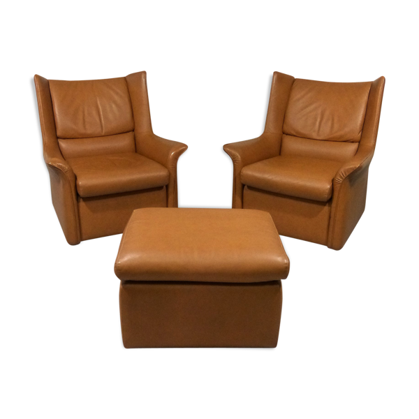 Selency Leather lounge chairs & footstool, 1960's