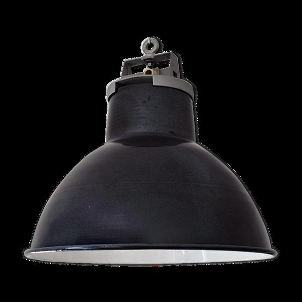 Lampe industrielle d'atelier en acier émaillé et fonte d'aluminium.
