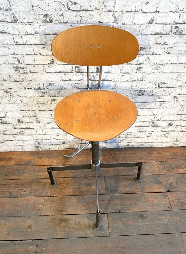 Chaise d'atelier industriel, années 1960