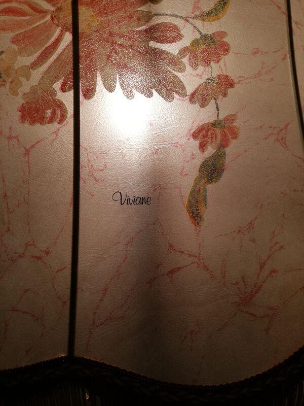 Lampadaire en chêne années 50 avec tablette et abat-jour en soie peinte à la main