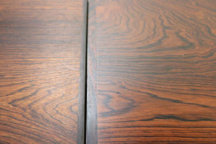 Table danoise palissandre par Kjaernulf