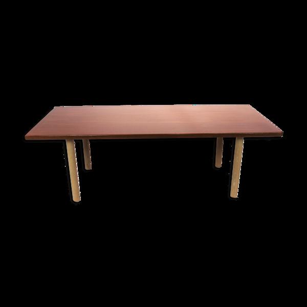 Table basse en teck et chêne conçue par Hans J. Wegner et par Andreas Tuck dans les années 1960