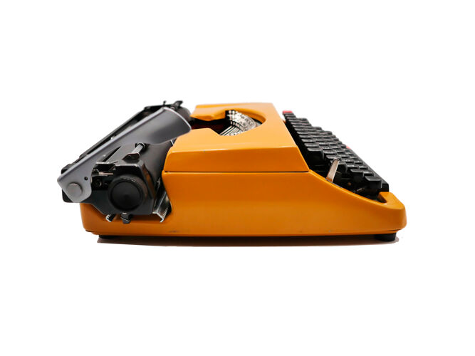 Machine à écrire brother deluxe 262 tr moutarde vintage révisée avec ruban neuf
