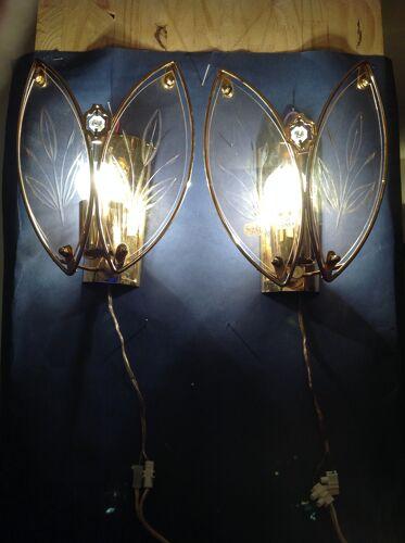 Paire d'appliques des années 80 en verre et métal doré