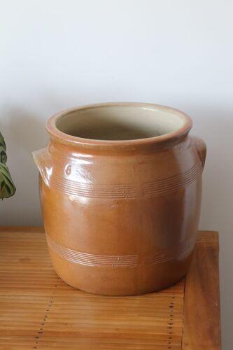 Sandstone pot