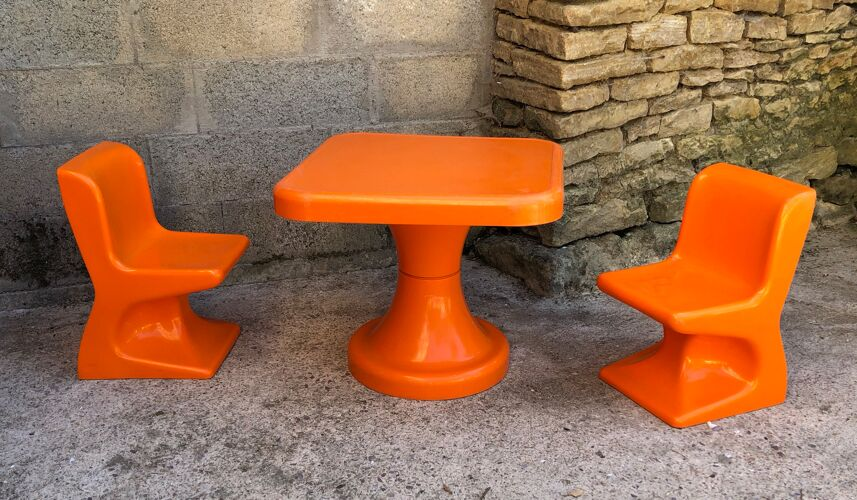 Ensemble pour enfant - chaises et table de Patrick Gingembre 1970