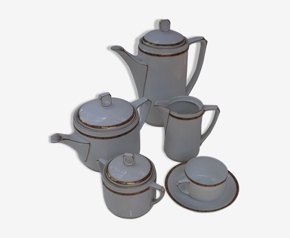Coffee and tea service
