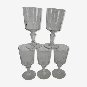 Set de 5 verres anciens  grande taille modèle Mirabeau  h  15,5 cm environ gv