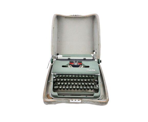 Machine à écrire Olympia Oriette SG-3 verte révisée ruban neuf