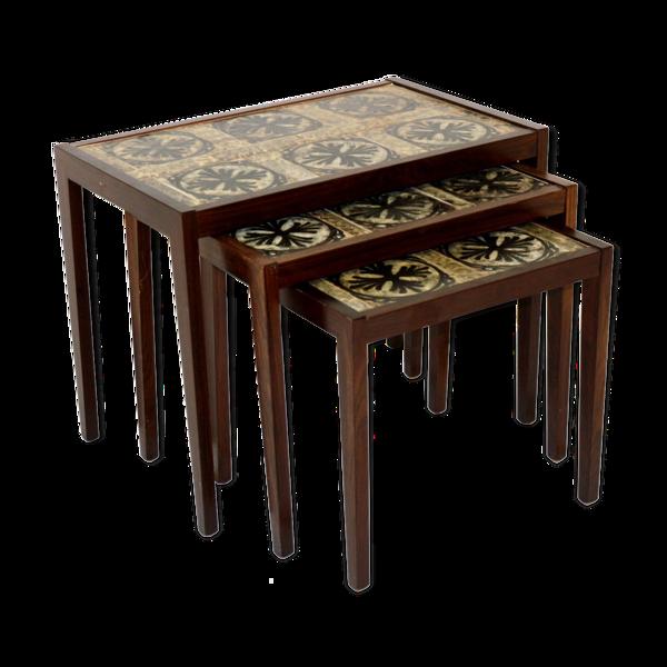 Selency Table gigogne en palissandre et céramique, Suède, 1960