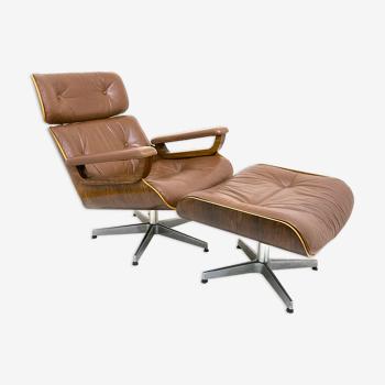 Fauteuil lounge et ottoman en cuir et bois plié des années 60/70