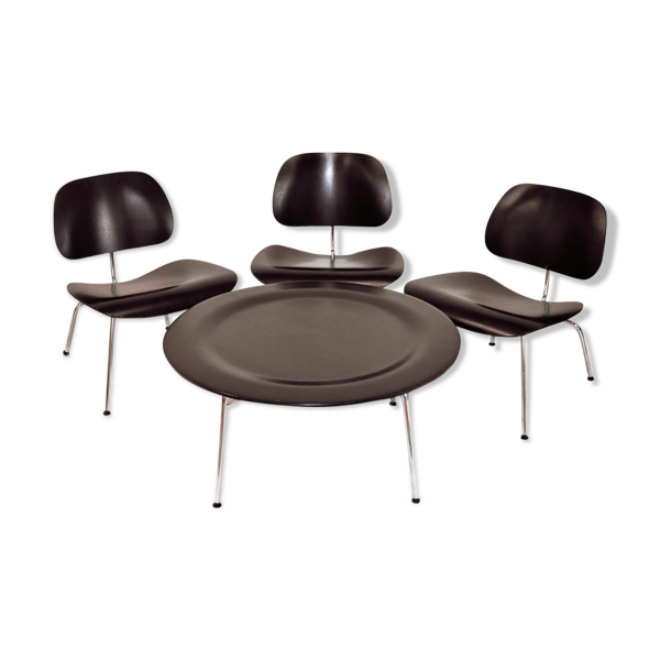Salon Charles et Ray Eames 3 chauffeuses LCM et 1 table basse CTM Vitra
