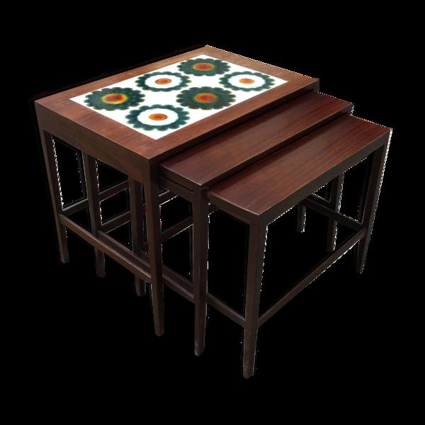 Trois tables gigognes