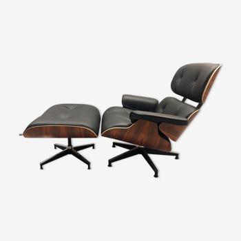 Lounge chair et repose -pied par Eames