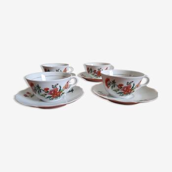 4 tasses à thé en porcelaine