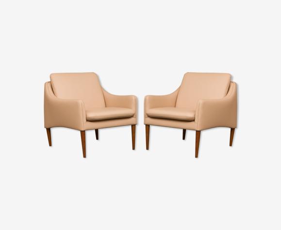 Paire de fauteuils modèle 800 par Hans Olsen
