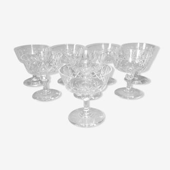 Ensemble de 8 coupes à champagne en cristal taillé vers 1900
