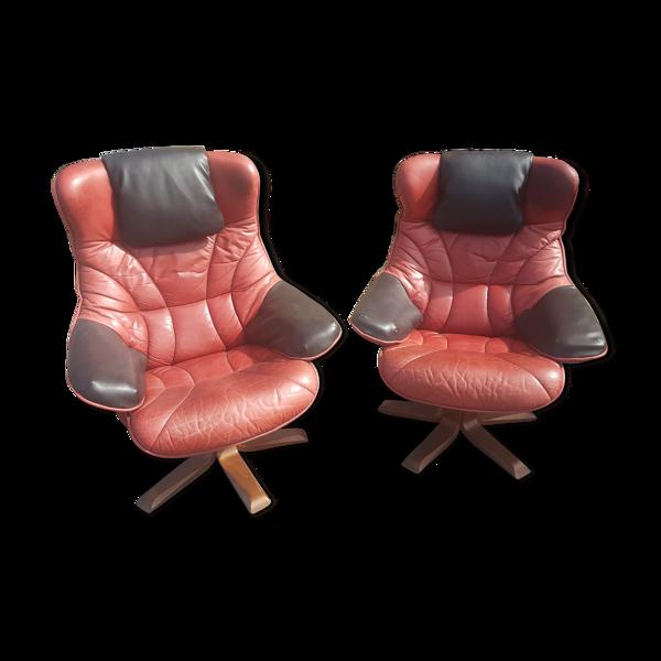 Paire de fauteuils en cuir pivotants et inclinables Maison Pedro Norway