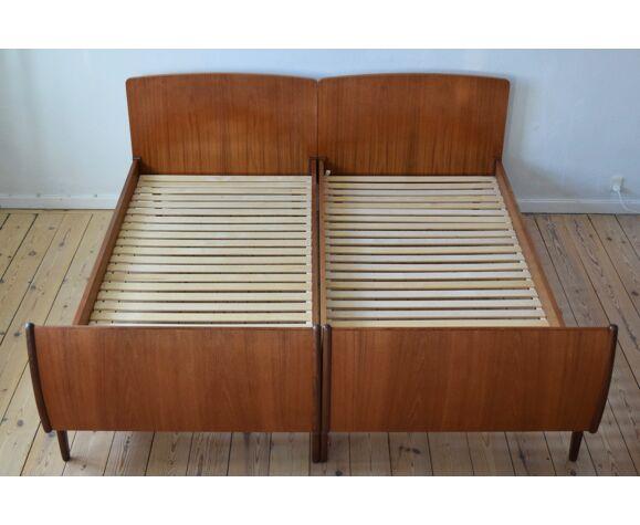Paire de cadres de lit de teck danois du milieu du siècle par Sigfred Omann pour Ølholm Mobilfabrik, 1960.