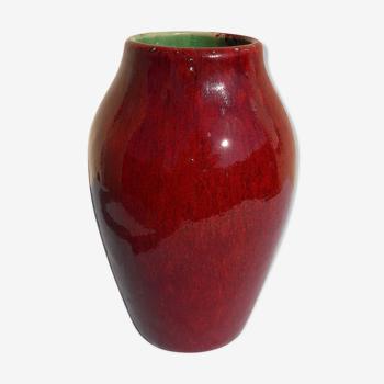Vase bordeaux