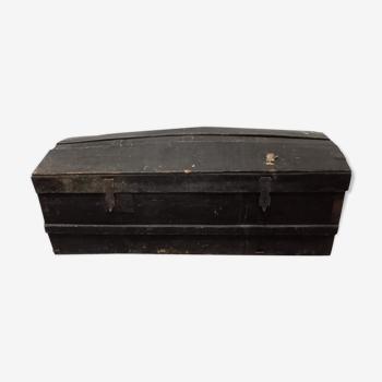 Old black malle