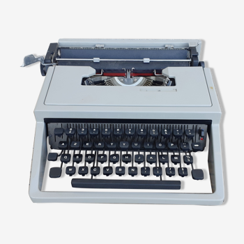 Olivetti Dora typewriter, functional