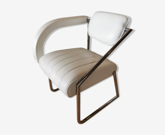 Non conformist small armchair by Eileen Gray for ClassiCon