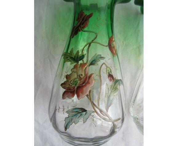 Vase verre vert dégradé, col ondulé, émaillé Legras de pavots polychromes
